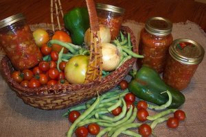 How to Properly Jar Your Fruits and Vegetables for a Long Shelf Life