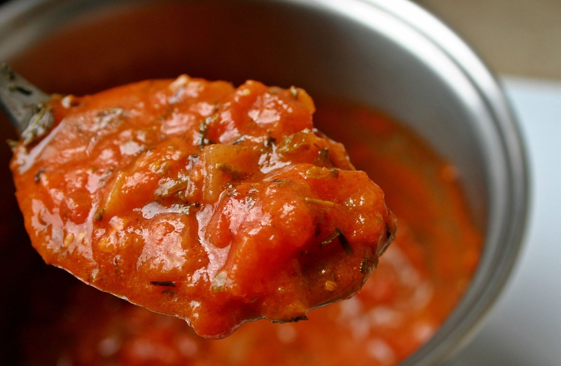 How to Make Tomato Sauce at Home with Fresh Produce