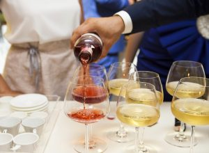 Read more about the article Red, White – When It Comes to Wine, Which One?