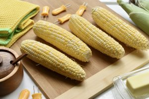 Read more about the article Corn on the Cob:  How to Shop for and Cook It